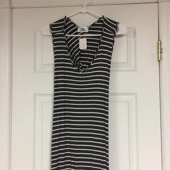 Infinity Raine Dresses & Skirts - Infinity Raine maxi dress